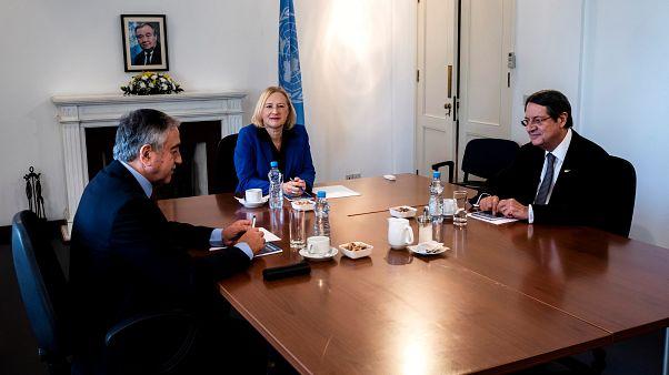 Mε κλήση μεταξύ Αναστασιάδη-Ακιντζί η έναρξη του ΜΟΕ για την τηλεφωνία