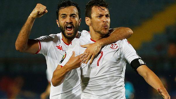 Youssef Msakni e Taha Yassine Khenissi. La Tunisia è in semifinale.