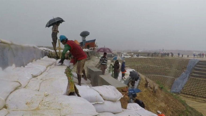 Муссонные дожди смыли лагерь рохинджа