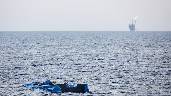 Tunus açıklarında batan göçmen teknesinde ölü sayısı 58'e yükseldi