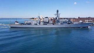 Navios da marinha britânica em alerta máximo