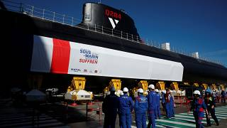 فرنسا تكشف عن غواصة نووية جديدة تقول إنها ستضمن نفوذها البحري لعقود قادمة