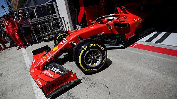 Formula 1 yarışı için İngiltere'ye götürülen Ferrari aracından 2 kaçak göçmen çıktı