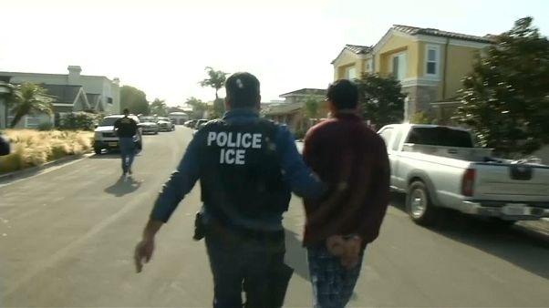 Több ezer bevándorló családot tartóztatnak le az Egyesült Államokban