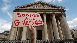 """""""Schwarzwesten""""-Protest in Paris"""