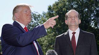 Министр труда США уходит в отставку