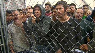 Mike Pence elogia centros de detenção de migrantes na fronteira
