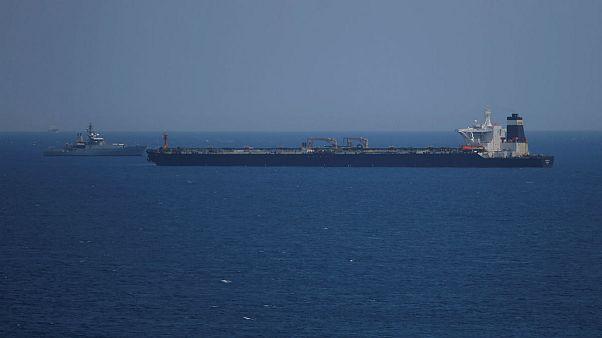 ابرنفتکش گریس ۱ در سواحل جبلالطارق