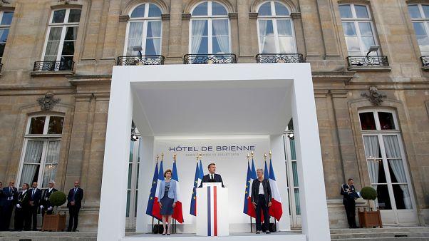 """""""Neuer Bereich der Konfrontation"""": Präsident Macron will ins All"""