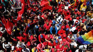 Vorwürfe und Demos: Machtkampf in Venezuela geht weiter