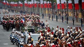 Francia celebra su fiesta nacional con un desfile militar muy europeo