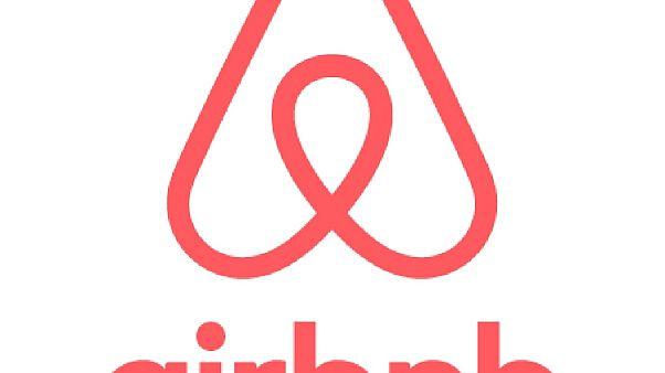 Στην «τσιμπίδα» της ΑΑΔΕ 20.000 ακίνητα Airbnb
