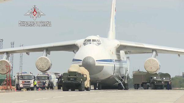 В Турцию прибыла новая партия компонентов для С-400