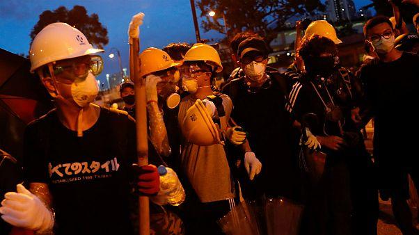 اعتراضات علیه «استرداد متهمان به چین» به حومه هنگکنگ کشیده شد