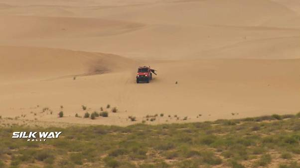 Sand dunes challenge drivers and riders on Stage 8 of Silk Way Rally