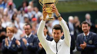 Djokovic gewinnt Wimbledon-Titel im Endspiel gegenFederer