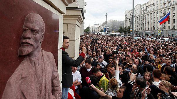 Yerel seçim öncesi Moskova'da düzenlenen eylemde onlarca kişi gözaltına alındı