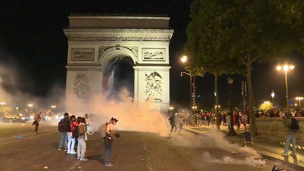 Festa do futebol dá origem a confrontos em França