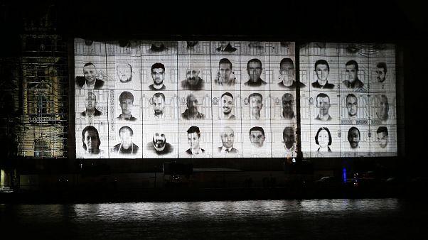 15 Temmuz şehit ve gazileri anısına Haydarpaşa Gar binasında düzenlenen mapping gösterisinden.