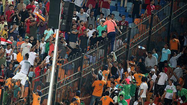 دهها هوادار تیم فوتبال الجزایر در فرانسه بازداشت شدند