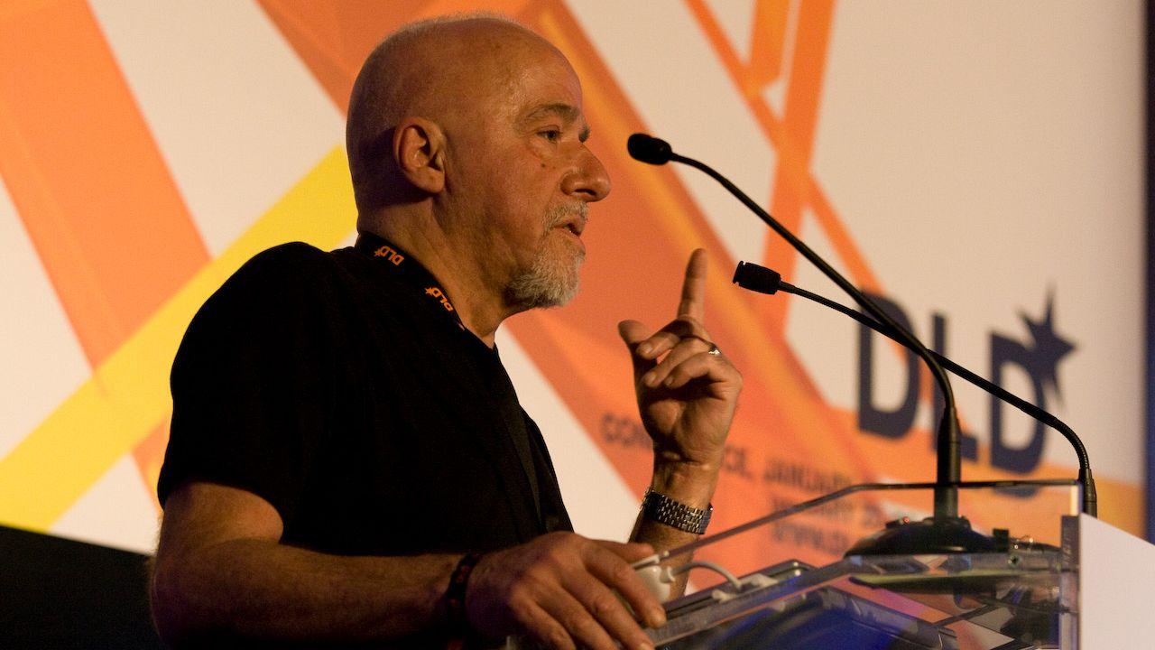 Can Yayınları Coelho'nun '11 Dakika' romanını 'Kürdistan' hatası nedeniyle toplatacak