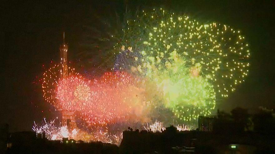 14 juillet à Paris : Feu d'artifice pour les 230 ans de la prise de la Bastille