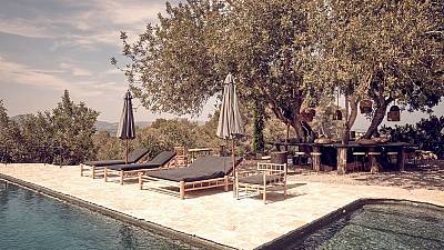 La Granja hotel and pool