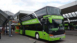 """""""Mein Kampf""""-Tattoo: Flixbus-Fahrer suspendiert"""