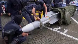 الشرطة الإيطالية تضبط أسلحة بينها صاروخ جو ـ جو بحوزة يمينيين متطرفين