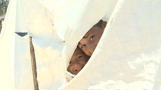 معاناة اللاجئين السوريين في لبنان مستمرة ... وتتجدد صيفاً وشتاءً