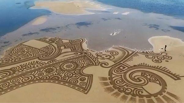 Arte sobre la arena en el Art Festival Zen de Opuzen