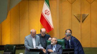 تعليقا على احتجاز الناقلة الإيرانية، خامنئي يقول إن القرصنة البريطانية لن تمر دون رد