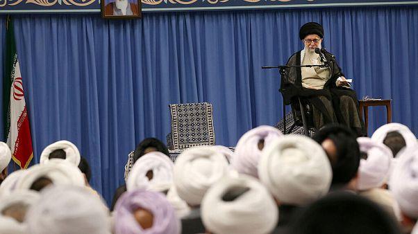 Iran : Ali Khamenei annonce la poursuite de l'enrichissement d'uranium