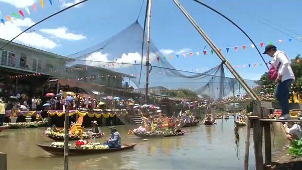 شاهد: تايلاند تستقبل موسم الصوم البوذي بتقليد خاص