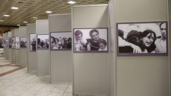 Αίθουσα ΜΕΤΡΟ Συντάγματος Αθήνα, Ελλάδα : Εγκαίνια της έκθεσης: « Κύπρος: 45 χρόνια κατοχής».