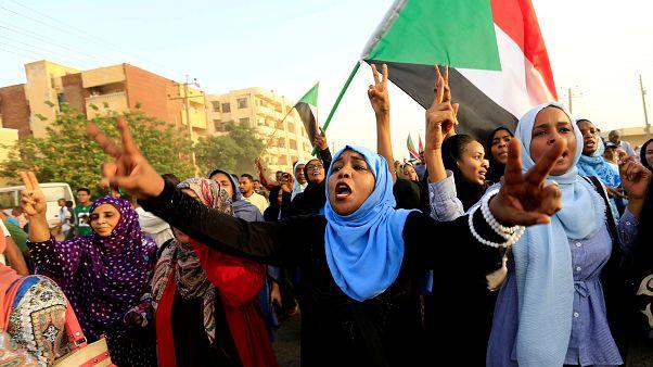 Sudan'da ordu ve sivil koalisyon, iktidarın paylaşımını içeren anlaşma imzaladı