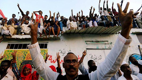 توافق بر سر تقسیم قدرت میان نظامیان و رهبران جنبش اعتراضی در سودان