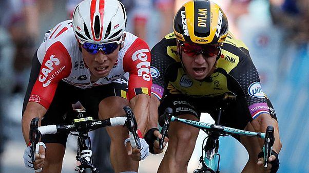 Caleb Ewan vence 11ª etapa do Tour por centímetros