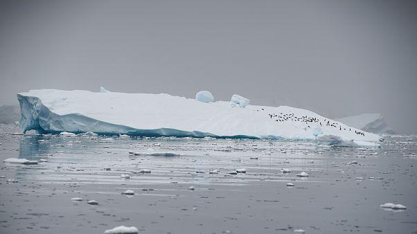 Επιστήμονες προτείνουν τον βομβαρδισμό της Ανταρκτικής με τεχνητό χιόνι