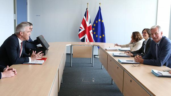 AB Brexit Başmüzakerecisi: Anlaşmasız ayrılık tehditlerinden korkmuyoruz