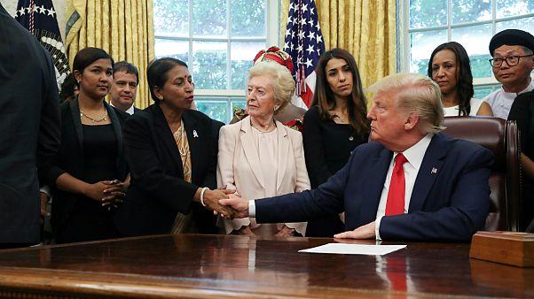 دیدار دونالد ترامپ با نادیا مراد، برنده جایزه صلح نوبل و جمعی از قربانیان آزارهای جنسی مذهبی