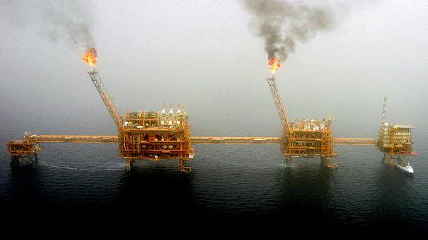 Plataforma petrolífera no Golfo Pérsico, a sul de Teerão