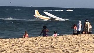 Motorschaden und Notlandung am Strand