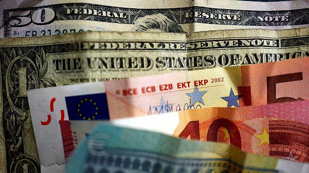 پایان صعودی هفته نزولی بازار ارز؛ رقابت هزارتومانی دلار و یورو