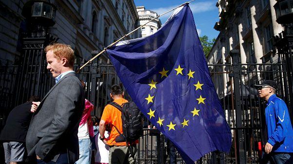 Egymillióhoz közelít a brexit miatt letelepedési engedélyt kérő EU-s polgárok száma