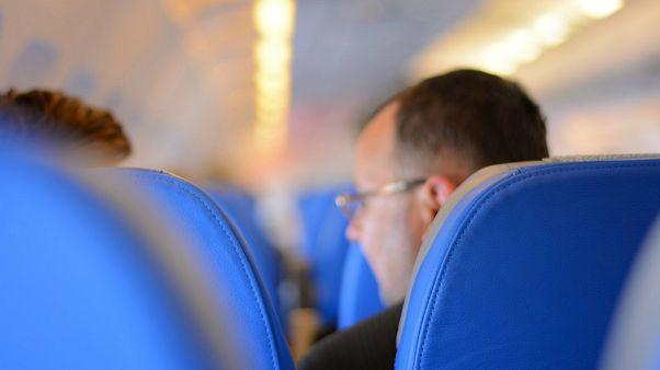 طرح یک شرکت آمریکایی برای رهایی از معضل تنگی صندلیهای وسط هواپیما