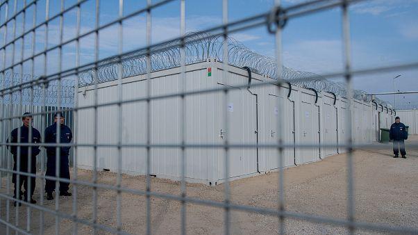 Balassagyarmatról a tranzitzónába szállított férfit éheztettek a magyar hatóságok