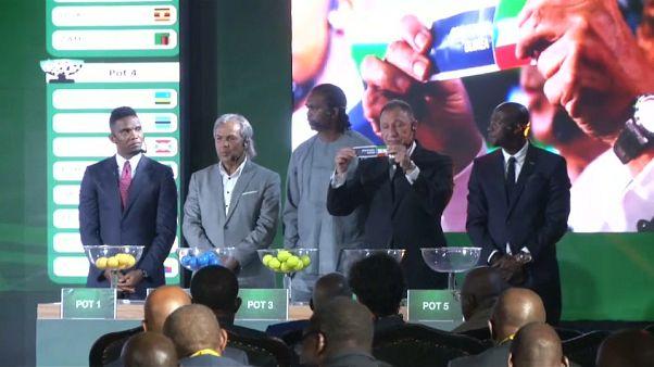 نجوم منتخبات إفريقية لكرة القدم في القاهرة خلال إجراء عمليات القرعة الخاصة بكأس إفريقيا 2019