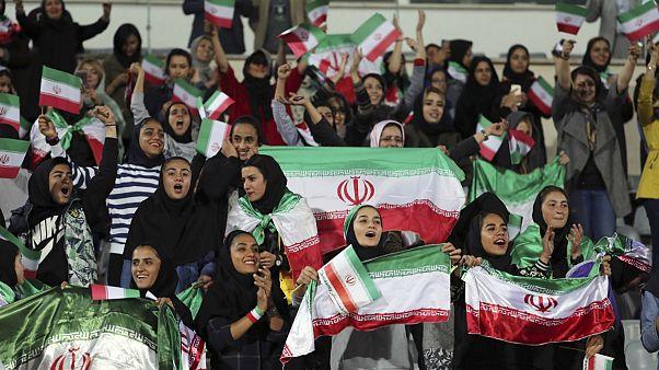 حضور تماشاگران زن در دیدار دوستانه ایران و بولیوی
