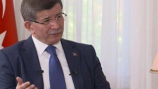 Davutoğlu ile röportaj yapan gazetecilerin programı yayından kaldırıldı